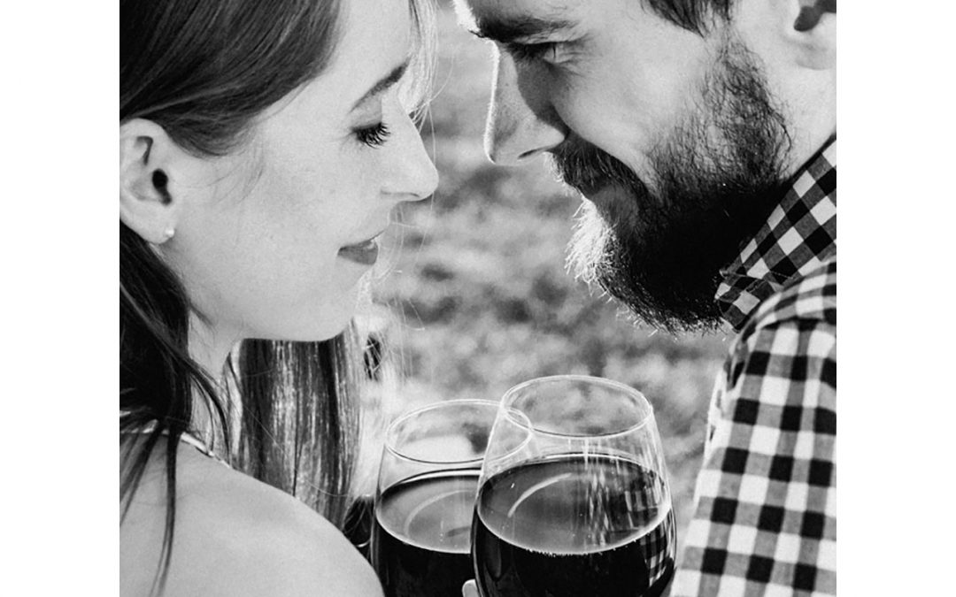 Drinking wine makes couples happier
