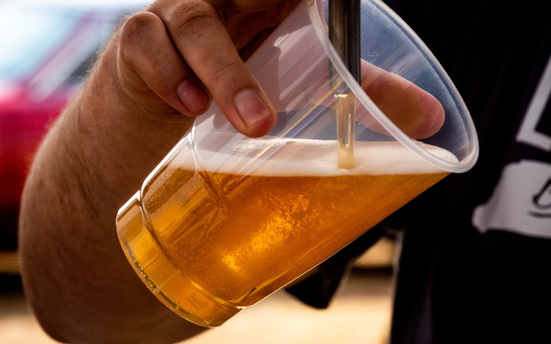 Beer vs wine: which one contains the more alcohol and calories?